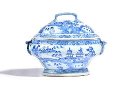 A Chinese export blue and white oval two-handled tureen and cover, Qianlong,