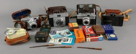 A Voighander VITO B camera in leather case with accessories and instructions,