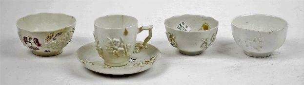 A Bow porcelain teabowl, circa 1755,