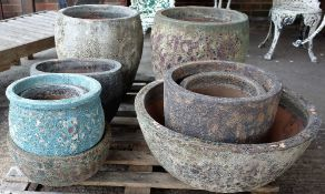 A quantity of modern garden pots of various sizes, the largest being 47cm diameter x 46cm high (12).