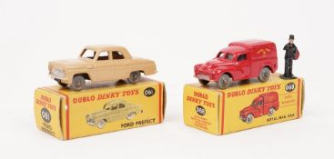 A Dublo Dinky 068 Royal Mail van and a Dublo Dinky 061 Ford Prefect, both boxed, (2).