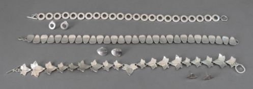 A silver necklace and earring suite, of