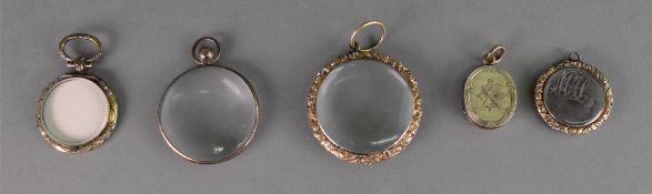 A George III circular memorial locket, e
