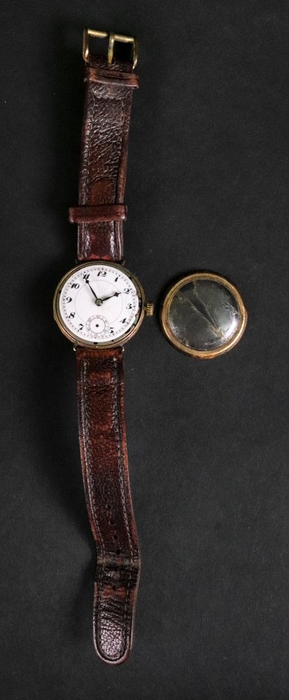 A 9ct gold circular cased wrist watch, h