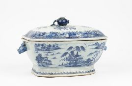 A Chinese export blue and white tureen and cover, Qianlong,