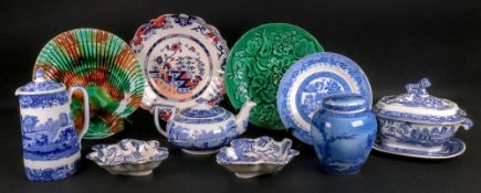 A pair of Staffordshire willow pattern transfer printed leaf shape pickle dishes, 19th century, 16.