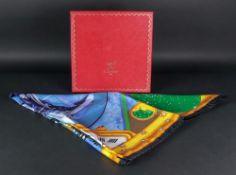 A Cartier scarf, Etendards et Bannieres,