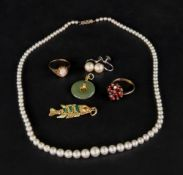 A collection of jewellery, comprising: a