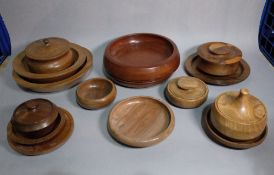 A quantity of turned English wood bowls (15).