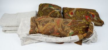 A set of thirty three napkins with a pattern of pheasants,