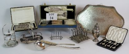 A selection of good quality silver plate