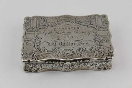 EDWARD SMITH A MID VICTORIAN SILVER SNUFF BOX, the hinged lid with presentation inscription, all