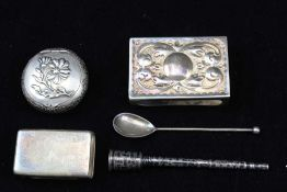 A COLLECTION OF SILVER ITEMS to include; two matchbox covers, a Wardell & Kempson niello silver