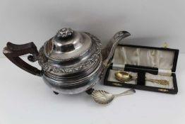 A SILVER SHELL SHAPED CADDY SPOON, Birmingham 1922, 15g, a silver gilt DECORATIVE SPOON,