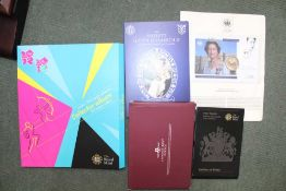 A SELECTION OF SILVER ROYAL COMMEMORATIVE COINAGE together with the Royal Mint London 2012 29 50