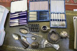 A PAIR OF HALLMARKED SILVER SCALLOP SHELL BUTTERS together with a selection of other domestic