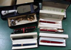 A SELECTION OF WRITING INSTRUMENTS VARIOUS the majority branded Parker