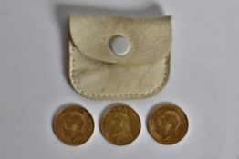 Three half sovereigns, dated1887,1911,1912. Online viewing and bidding only. No in person