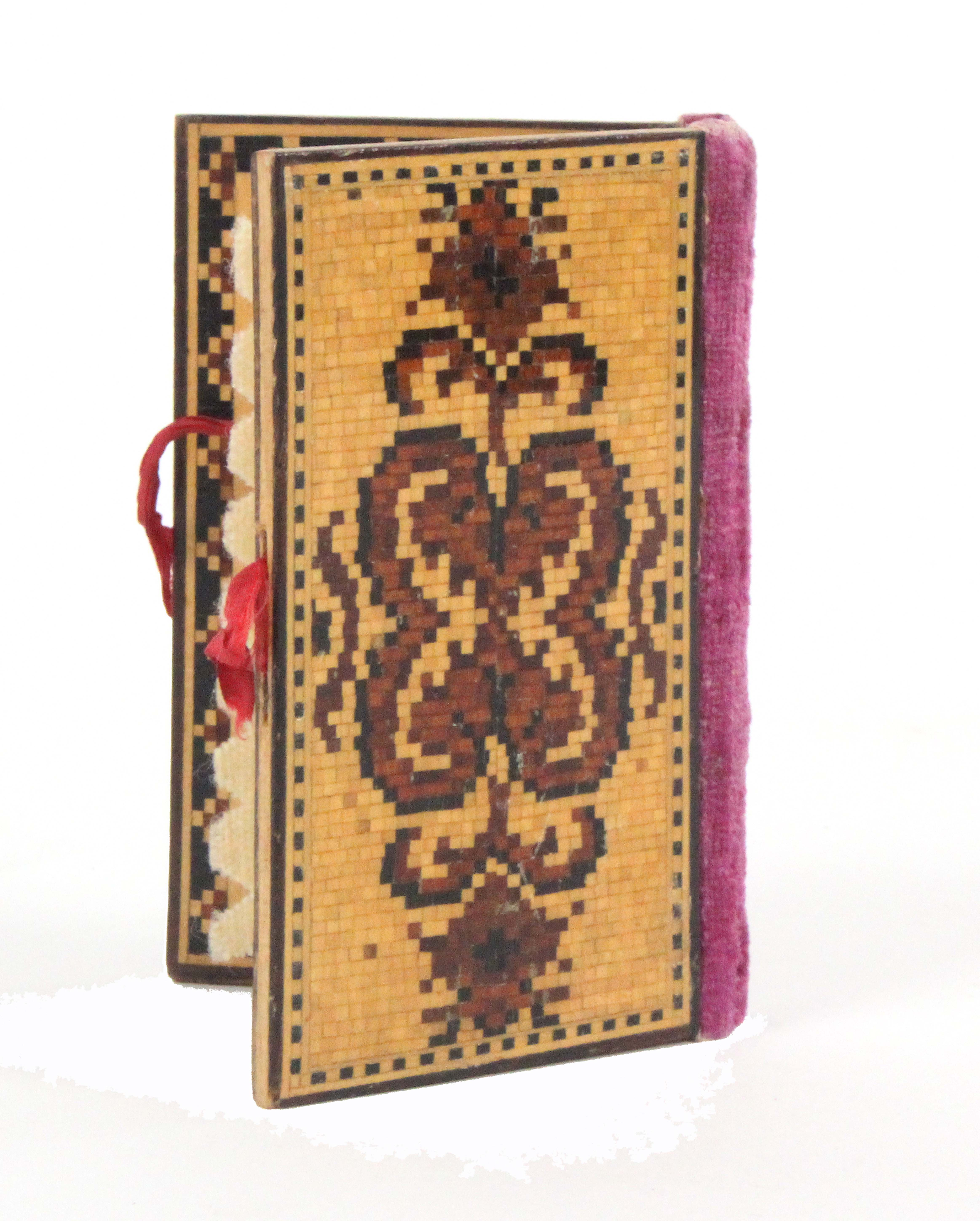 An attractive Tunbridge ware needle book, the covers in geometric mosaic, velvet spine, mosaic - Image 2 of 2