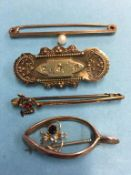 Four gold brooches, 10g