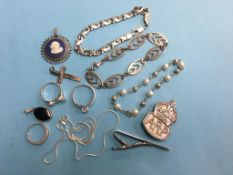 Quantity of silver jewellery etc.