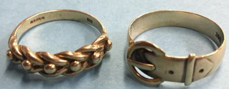 Two 9ct gold rings, 5.9g
