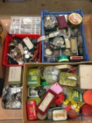 A large quantity of watch parts