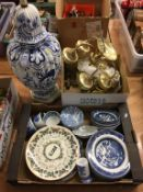 Lamp, light fitting and assorted blue and white china
