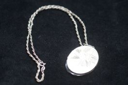 Silver chain & photo pendant