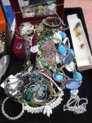 Good collection of costume jewellery