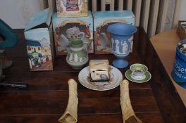 Novelty teapots, Wedgwood & 2 carved bone vases