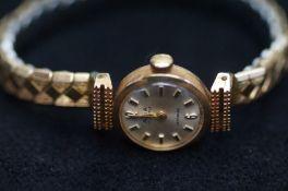 9ct Gold case Avia ladies wristwatch