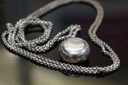 Victorian soverign holder & chain
