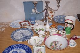 Large collection of ceramics to include Wedgewood
