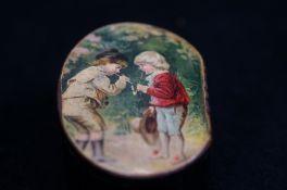 Victorian papermache snuff box