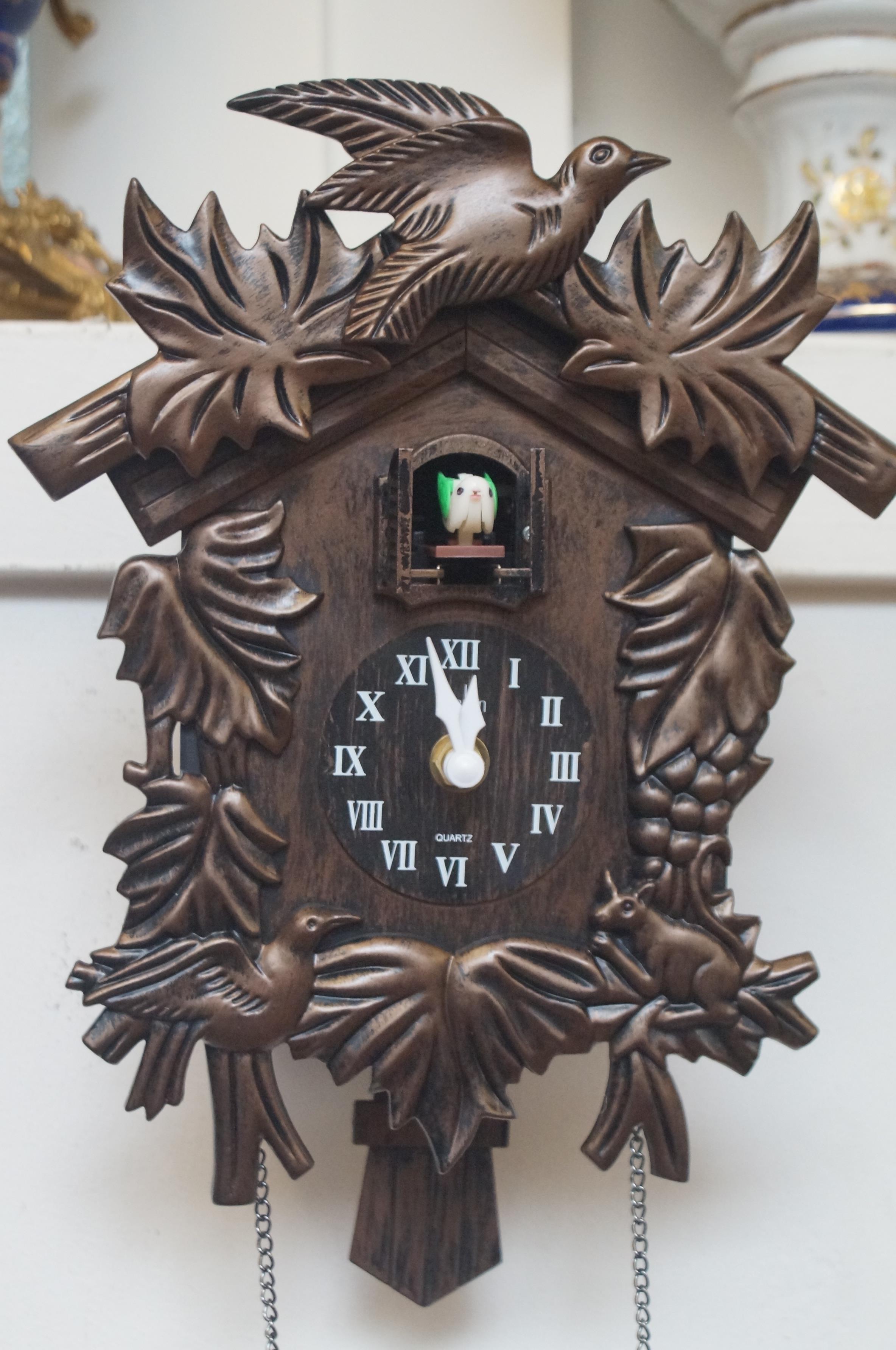 Cuckoo clock (Plastic) with weights & pendulum