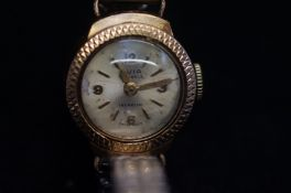 9ct Gold case Avia wristwatch