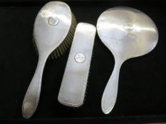 Silver brush & mirror set, Birmingham Finnegan lim