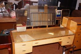 A. C Handcraft Retro dressing table with 3 mirrors