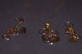 18ct gold chain pendant and matching earrings
