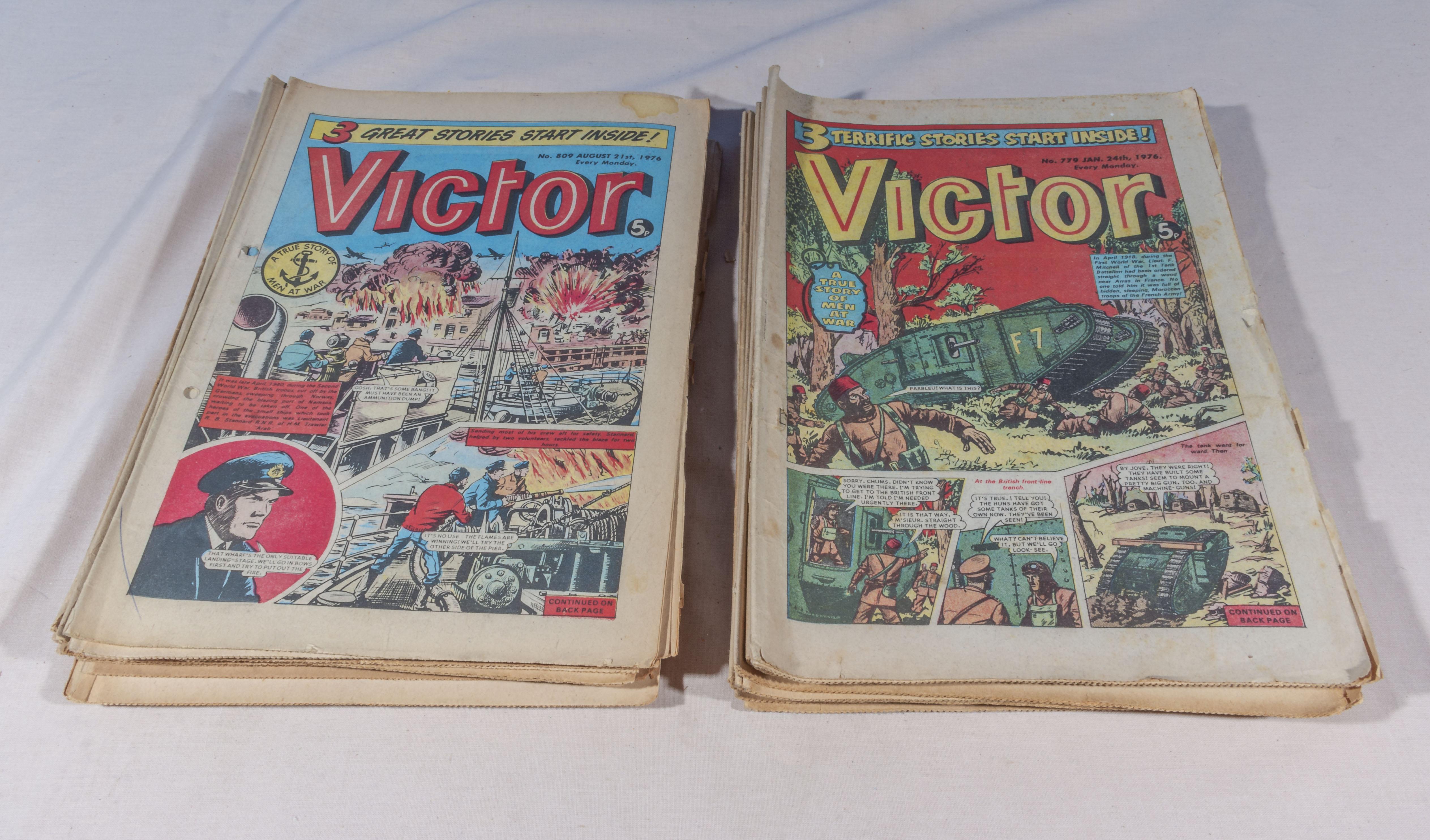 Lot 20 - 30 vintage Victor comics 1976