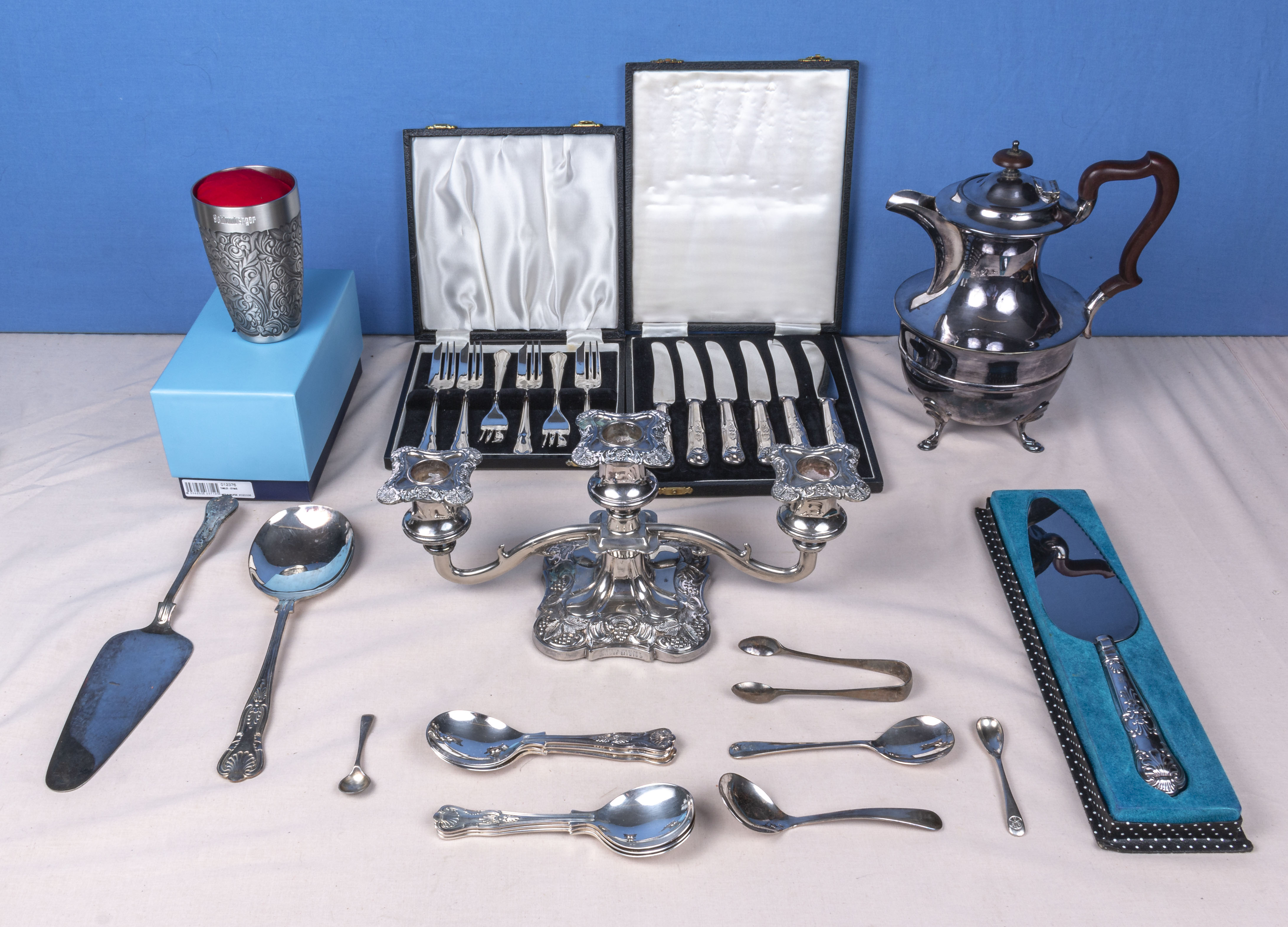 Lot 9 - Two cases of cutlery, a coffee pot and other silver plated items
