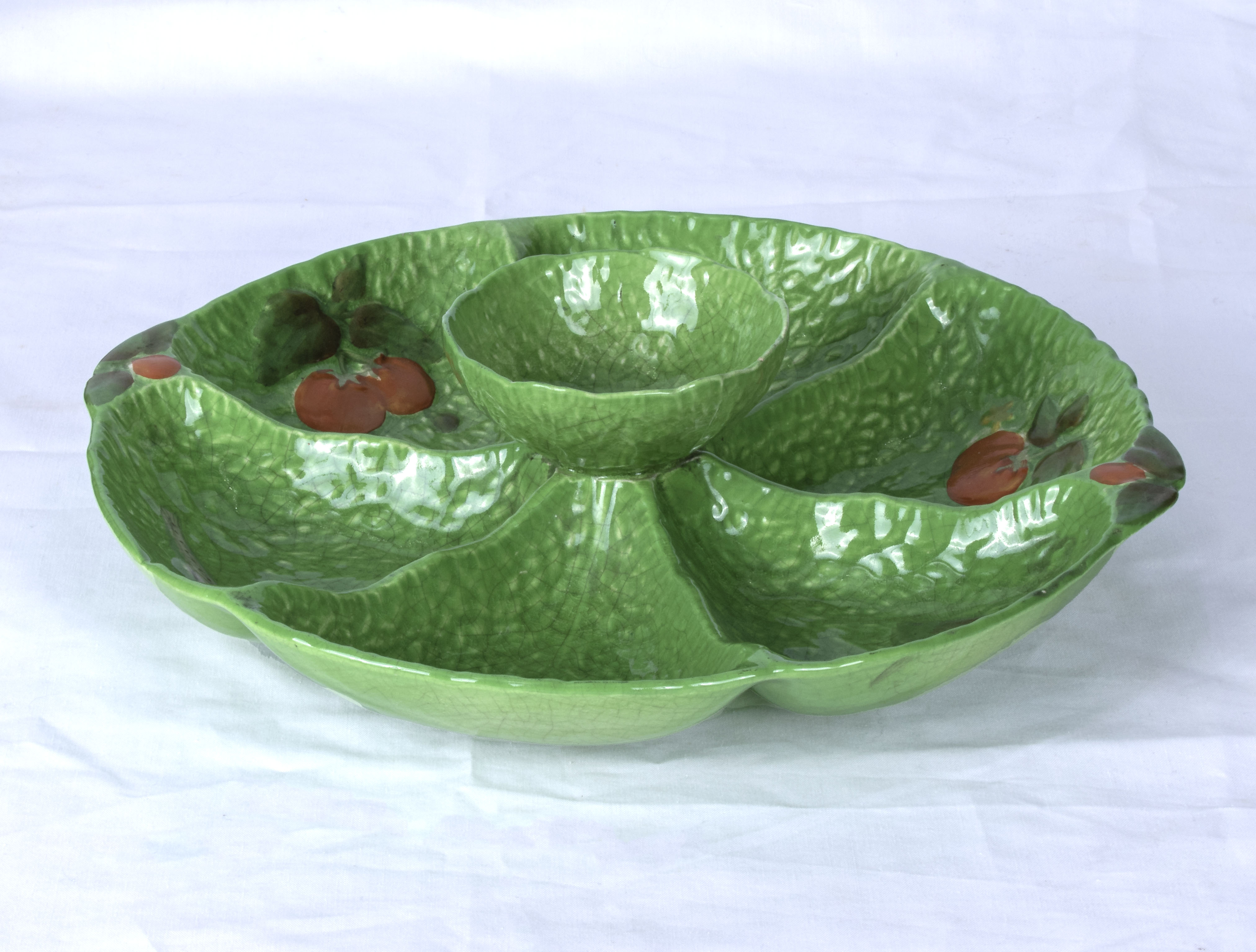 Lot 16 - A Carlton ware hors d'oeuvres dish