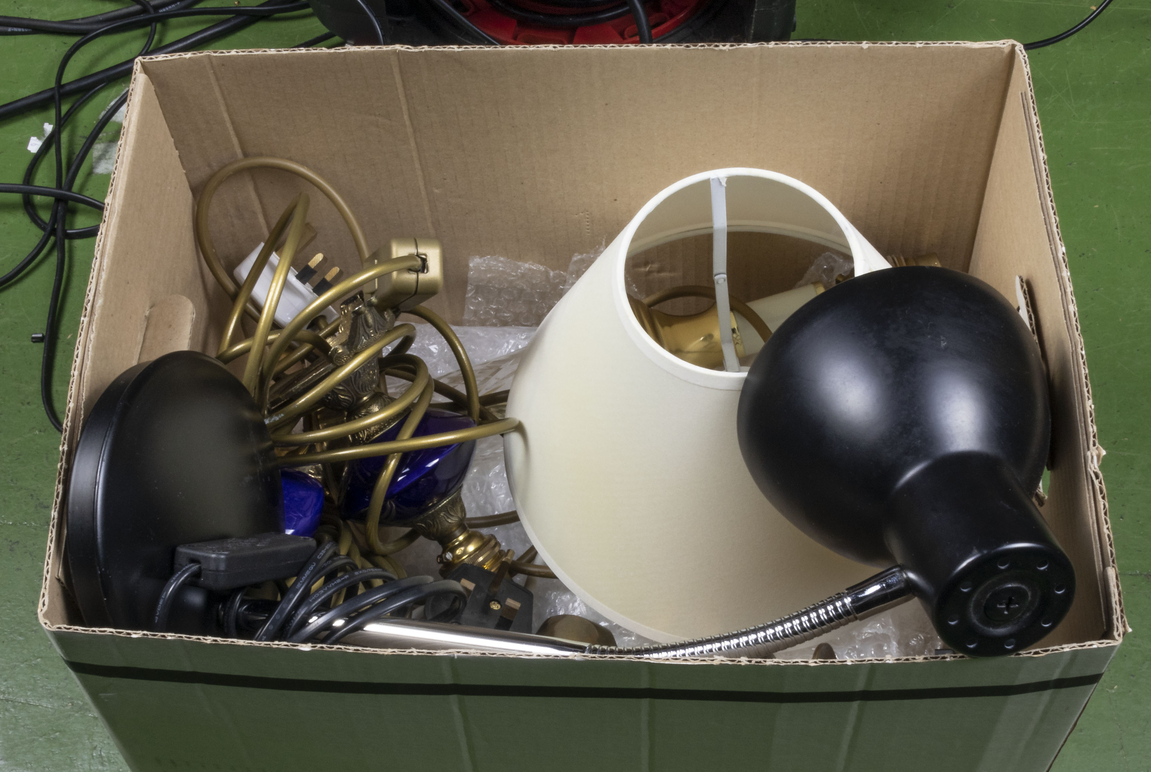 Lot 8 - A box containing table and desk lamps