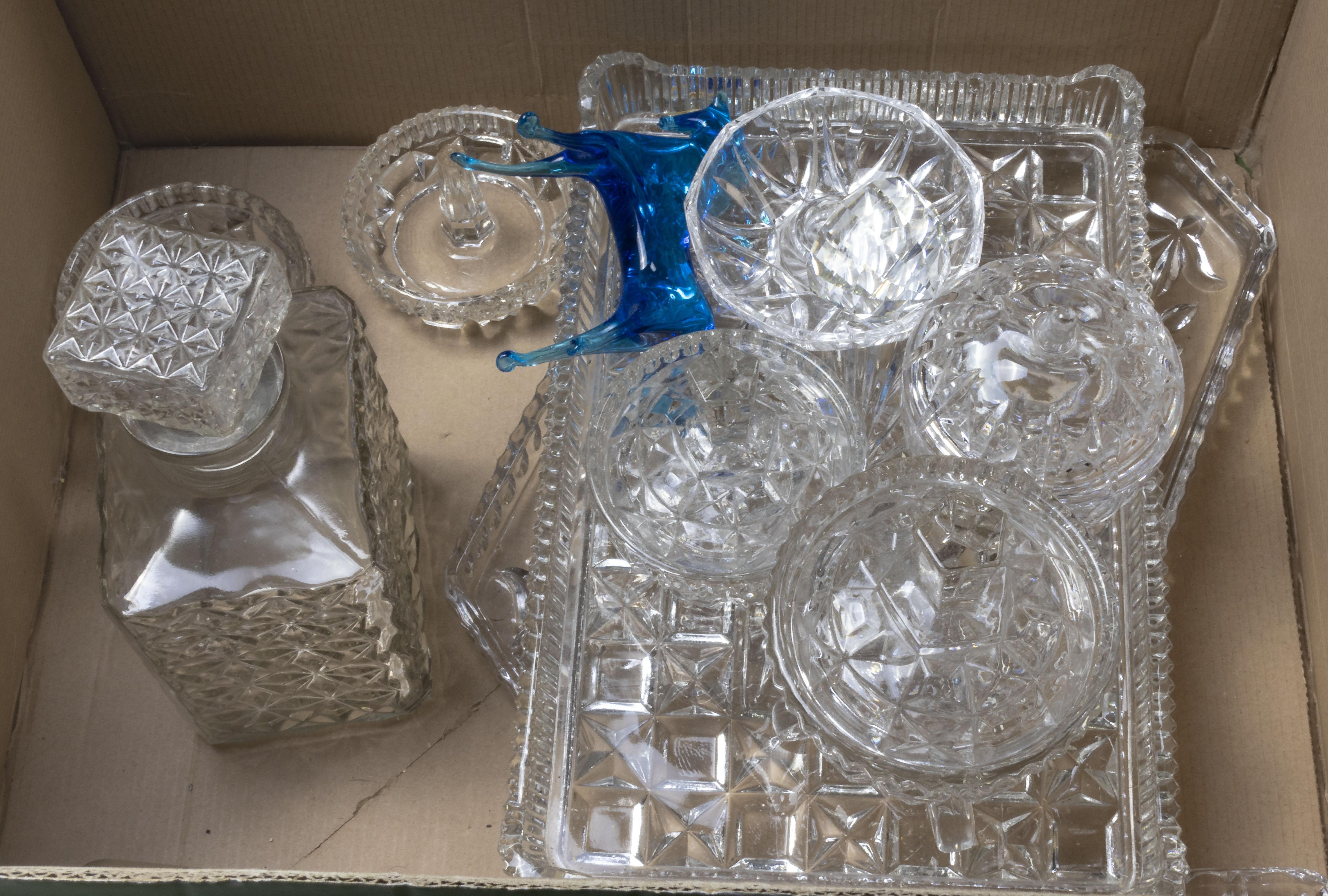 Lot 5 - A box of glass ware