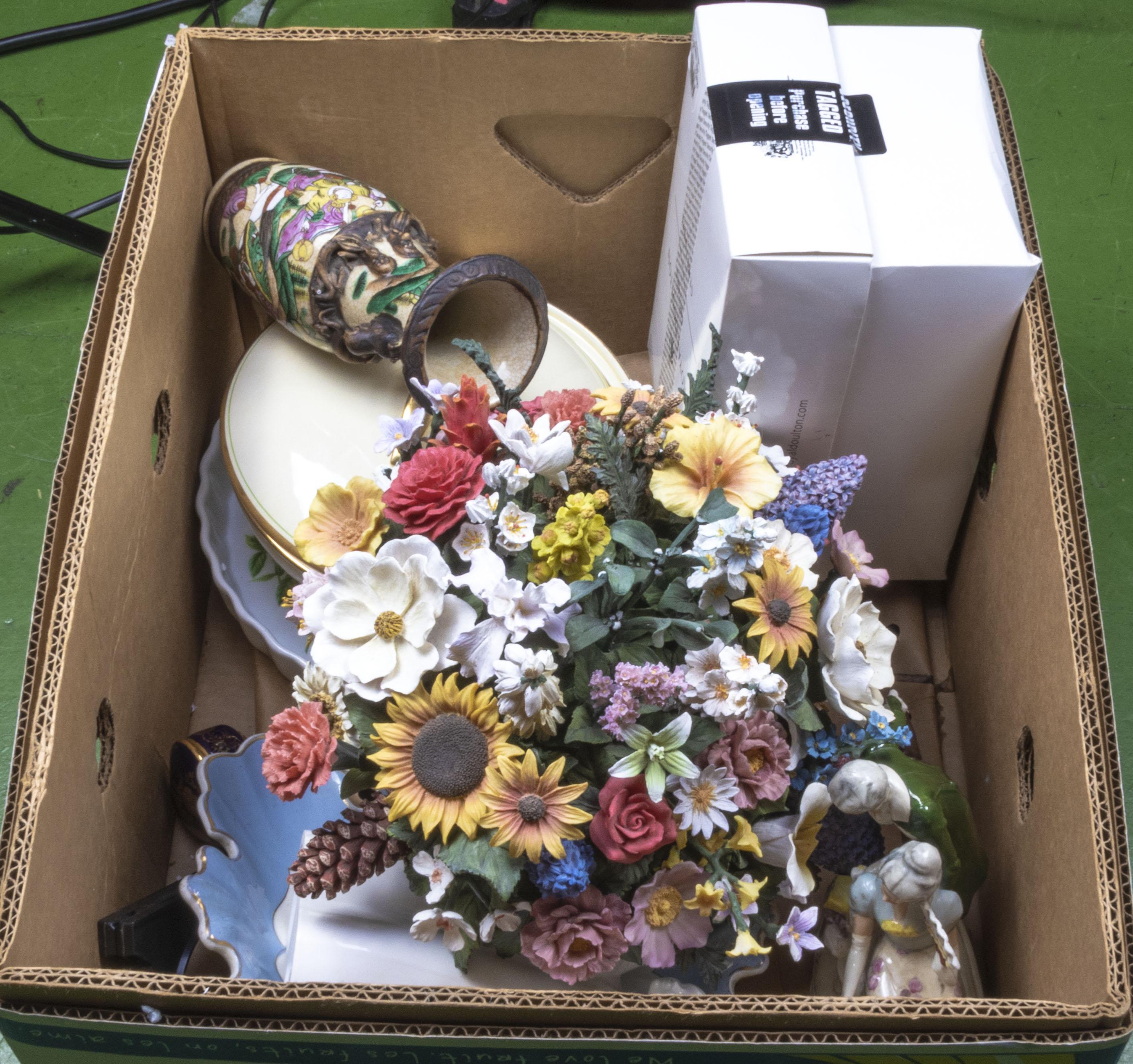 Lot 6 - A box of pottery