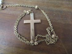 A 9ct gold necklace and cross pendant, 6.2g