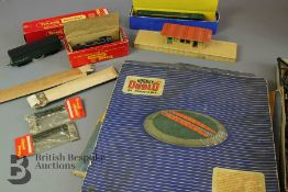 Hornby Dublo Turntable, Station and Platform, and Locomotive with Triang Catenary Wire
