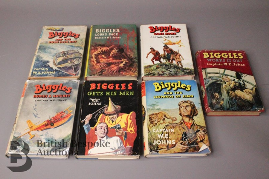 Seven Captain W. Johns Biggles 1st Edition in Dust Jackets - Image 4 of 9