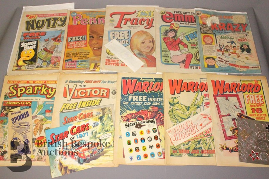 Sixteen 1960 and 1970's Comics with Free Gifts - Image 2 of 4